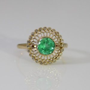 18ct Yellow Gold Colombian Emerald and 24 Diamonds Ring.