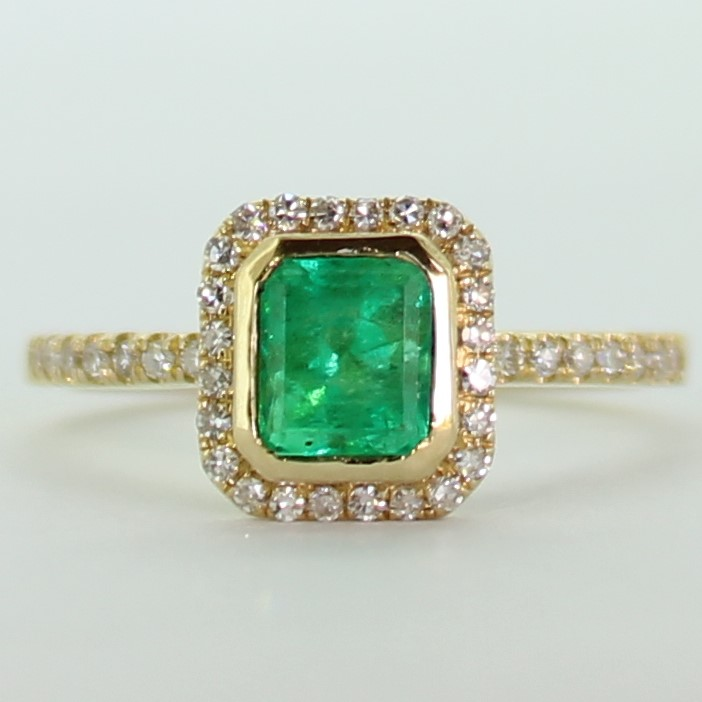 18ct Yellow Gold Colombian Emerald and 40 Diamonds Ring.