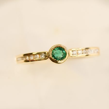 Minimalist Colombian Emerald Diamonds Stackable Ring  10K Gold