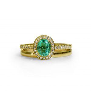 18K Yellow Gold Colombian Emerald  36 Diamonds Ring.