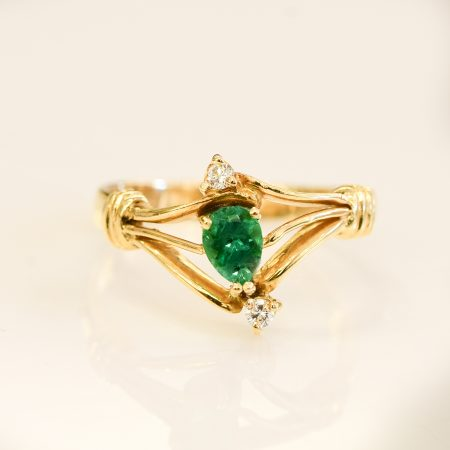 Natural Colombian Emerald and Diamonds Ring 18K Gold