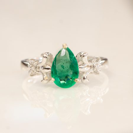 Natural Colombian Emerald Ring 18K
