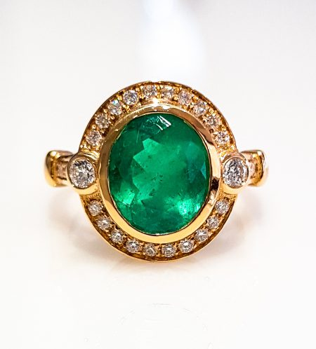 2.5ct Colombian Emerald Diamond Ring
