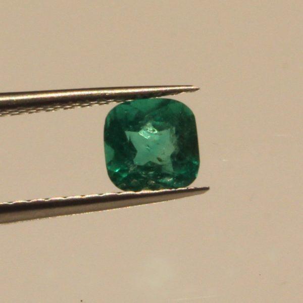 1.0 carat  Natural Colombian emerald  emerald cut   green emerald FGAA certificate. loose emerald