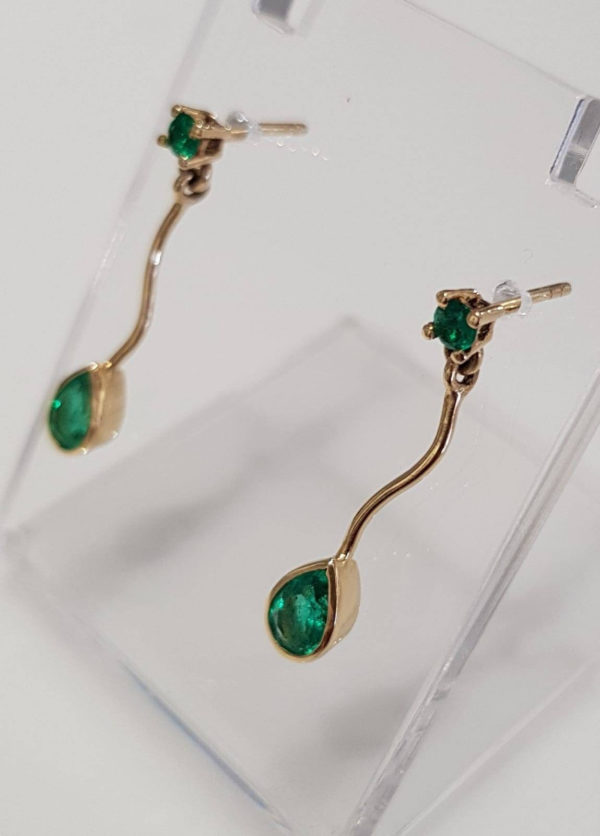 18K Yellow Gold and Natural Colombian Emeralds Earrings