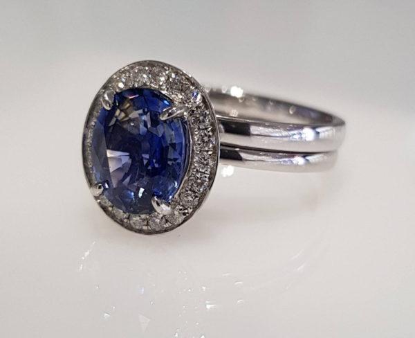 Brand New 2.2ct Ceylon Sapphire and Diamonds Ring Set set in 18K