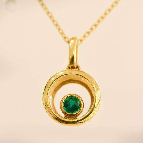 Colombian emerald pendant necklace 1982197