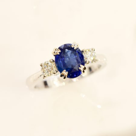 Cornflower Blue Sapphire and Diamond Three Stone Ring 18K Gold