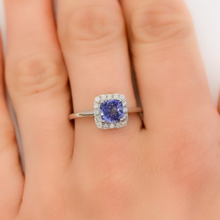 2 Carats Sapphire Halo Ring in 18K White Gold
