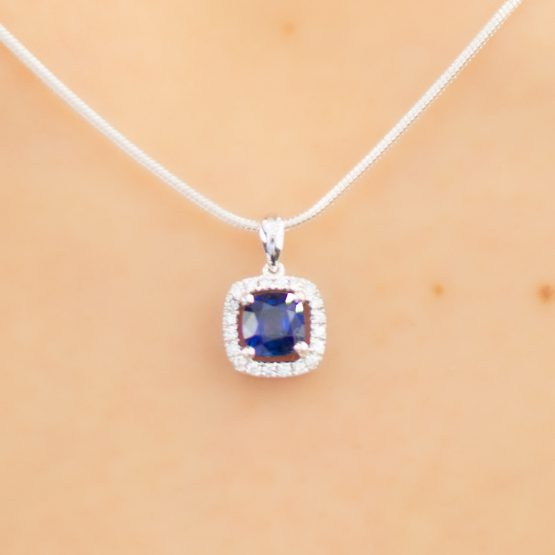 sapphire and diamonds halo pendant 18k gold - 1982272