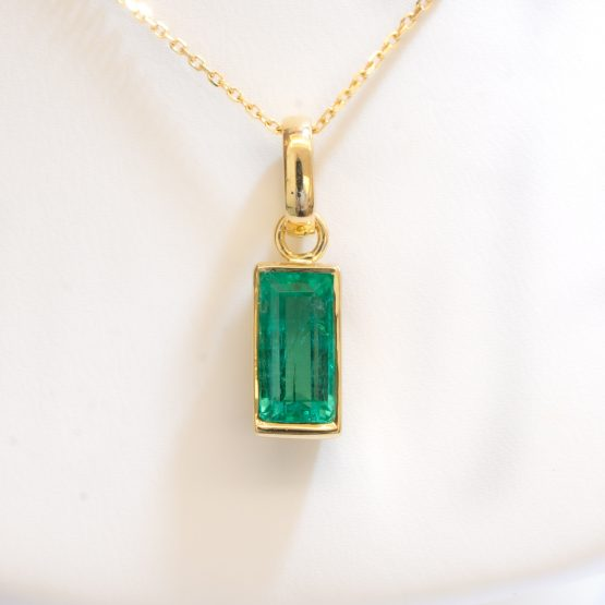 2.32ct Natural Colombian Emerald Pendant - 1982291