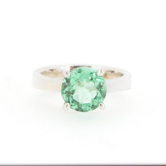 Colombian Emerald Solitaire Ring in 18K Gold - 1982321