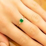 Natural Colombian Emerald Three-Stone Ring in Yellow Gold - 1982368-3