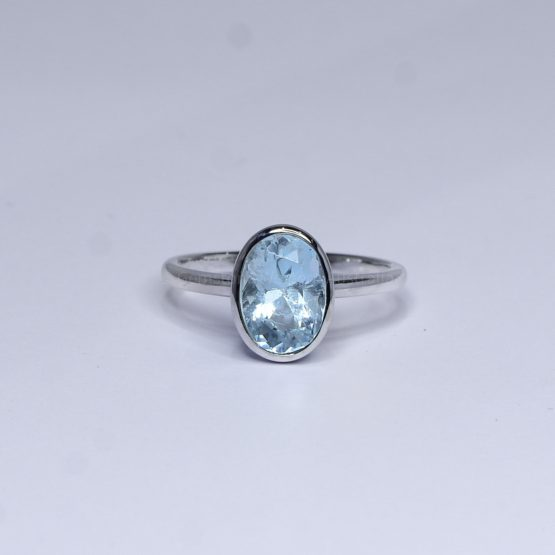 Oval Cut 2.0 ct Aquamarine Ring in White Gold - 1982401