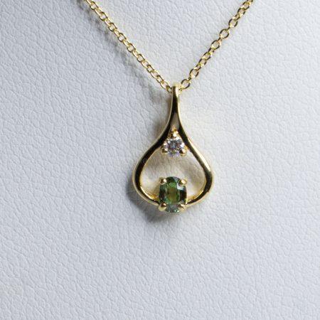 Natural Alexandrite Diamond Pendant 18K Yellow Gold
