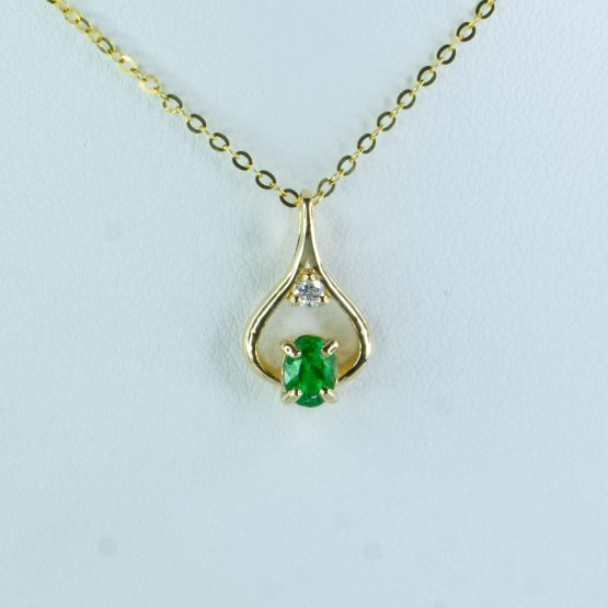 Natural Colombian Emerald Diamond Pendant Necklace in 18K Yellow Gold - 1982420-3